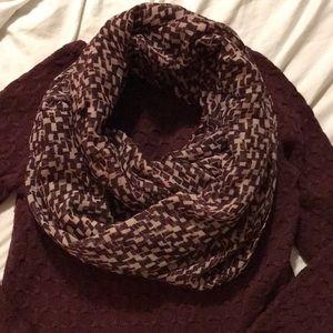 New York & Co Burgundy & Mauve Infinity scarf